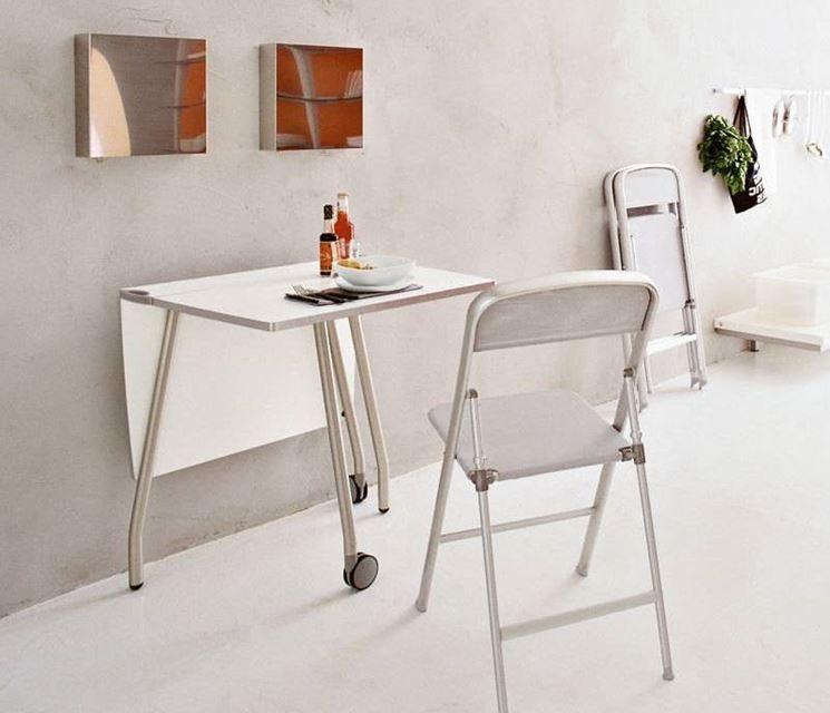 Tavolo pieghevole tavoli tipologie di tavoli pieghevoli for Tavolo plastica pieghevole