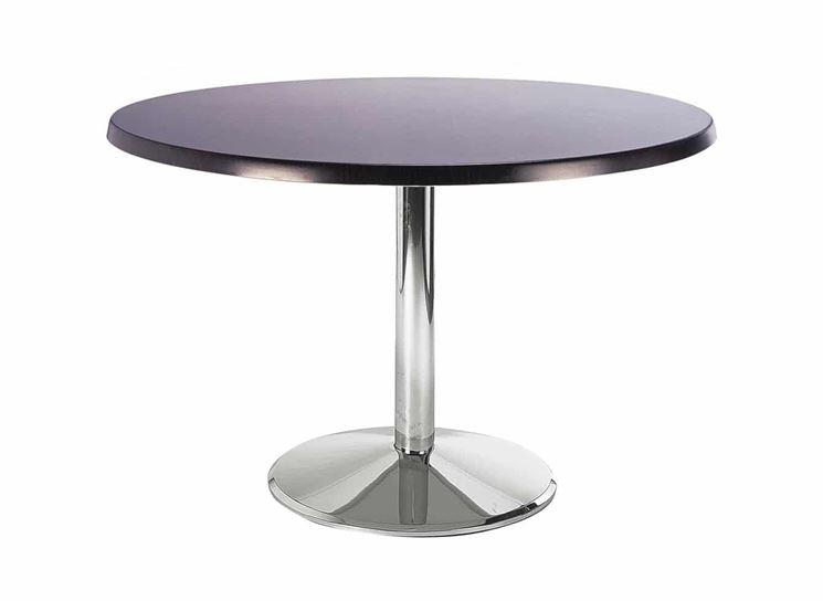 Tavolo rotondo in metallo