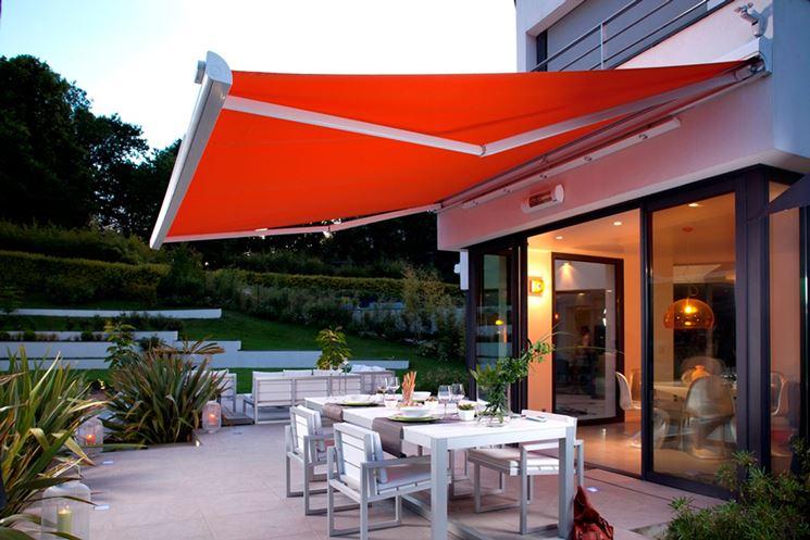 Esempio di tenda da sole per giardino