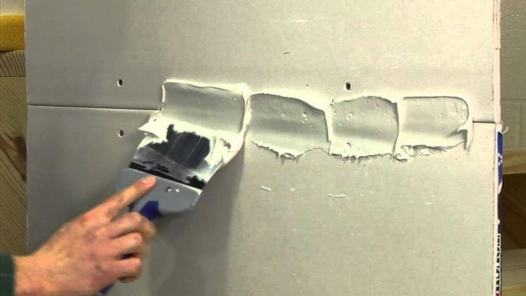 Utilizzo dello stucco sulle giunture delle lastre