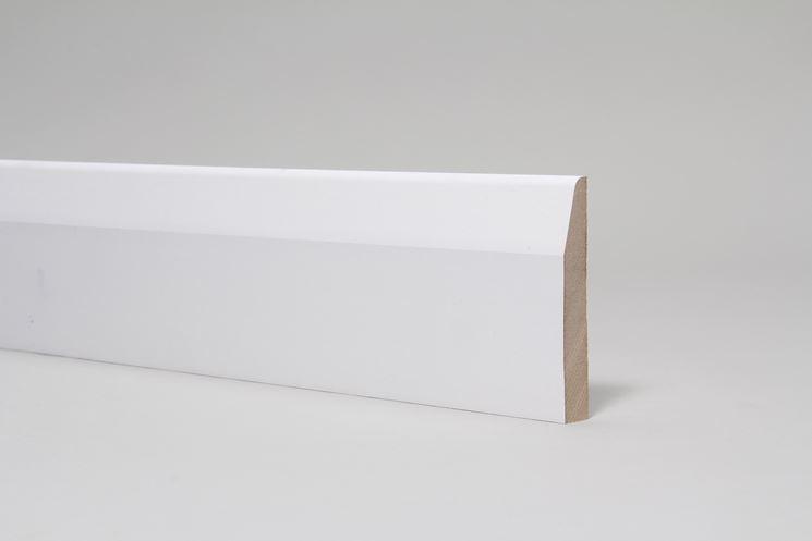 Battiscopa legno bianco
