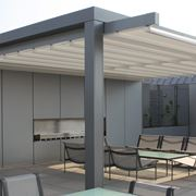 Copertura terrazzo con tenda da sole
