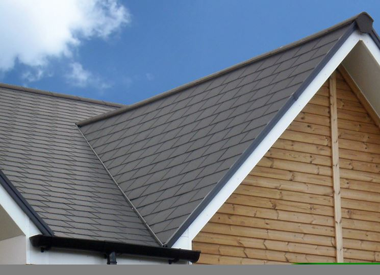 Coperture tetti il tetto rivestimento tetto for Tegole del tetto della casetta