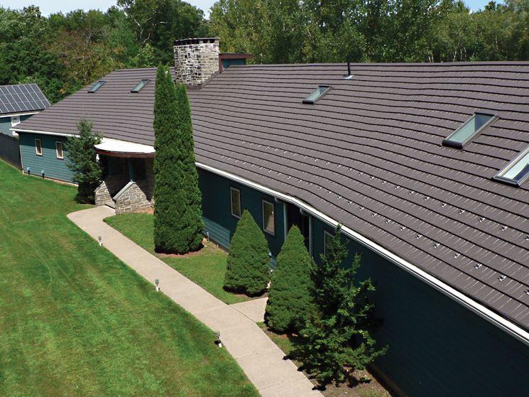 Caseggiato con tetti ventilati