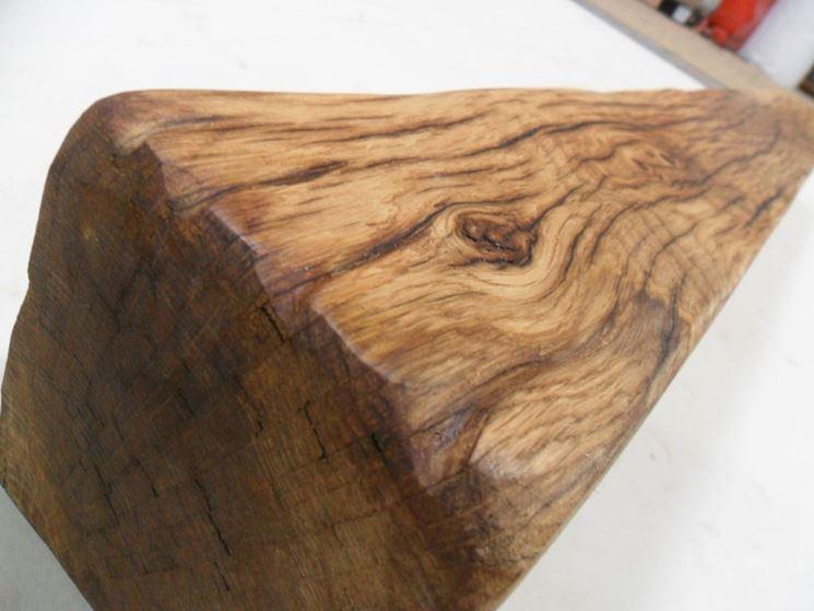 Trave in legno invecchiata