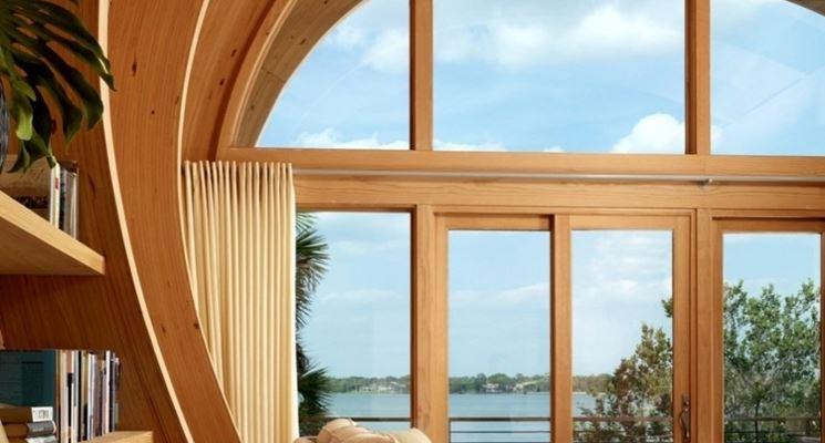 Abitazione con interni in legno lamellare