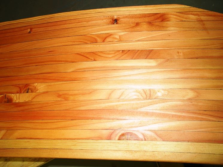 Particolare trave di legno lamellare