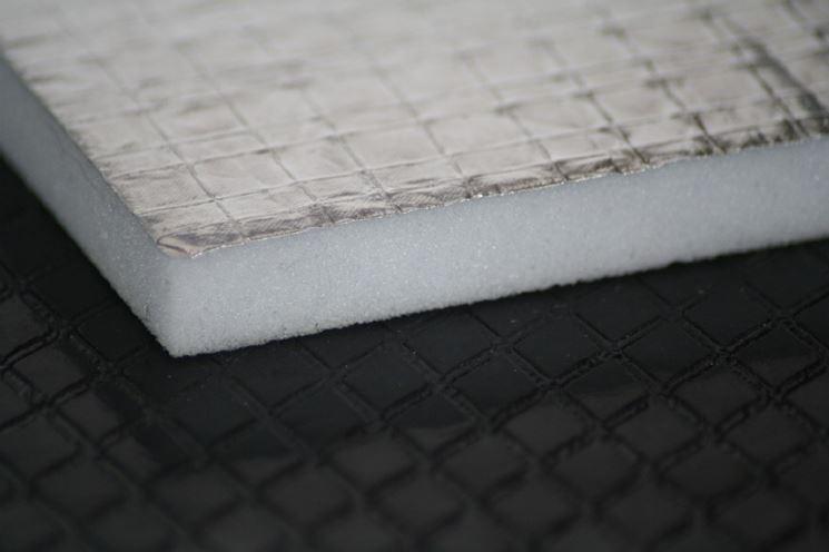 Pannello isolante termoacustico