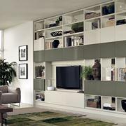 parete attrezzata tra cucina e soggiorno
