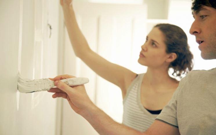 Proteggere le superfici dalla pittura