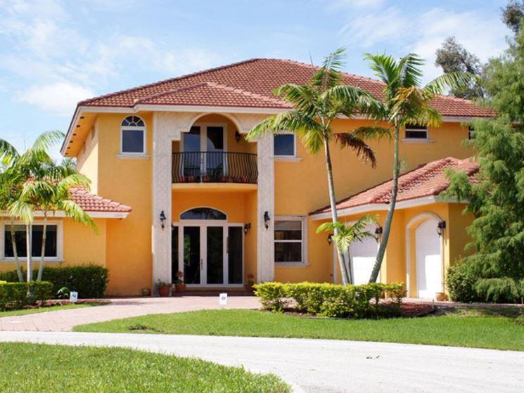Pittura esterno casa colori cm85 regardsdefemmes for Pitturare muri di casa