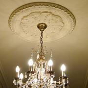 Soffitto con stucchi e decori