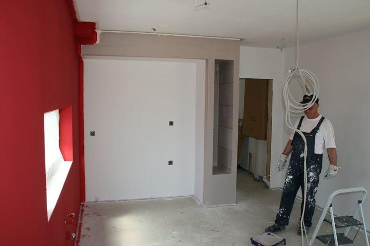 pitturare i muri di casa